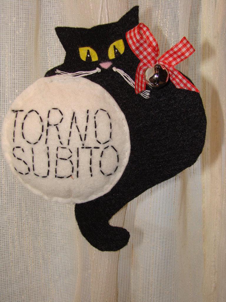 Torno subito targa con gatto nero in feltro fatto a mano - Oggetti simpatici per la casa ...