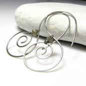 Spiralli. Orecchini con spirali. Orecchini leggeri. Idea regalo. Monachelle spirali. Spirale. Orecchini con labradorite.