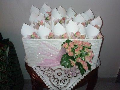 coni riso confettata artigianali boccioli rosa e juta colore rosa