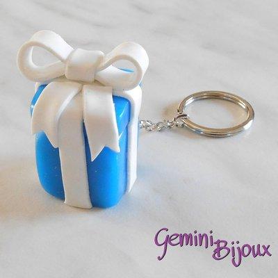 Portachiavi in fimo pacchetto regalo