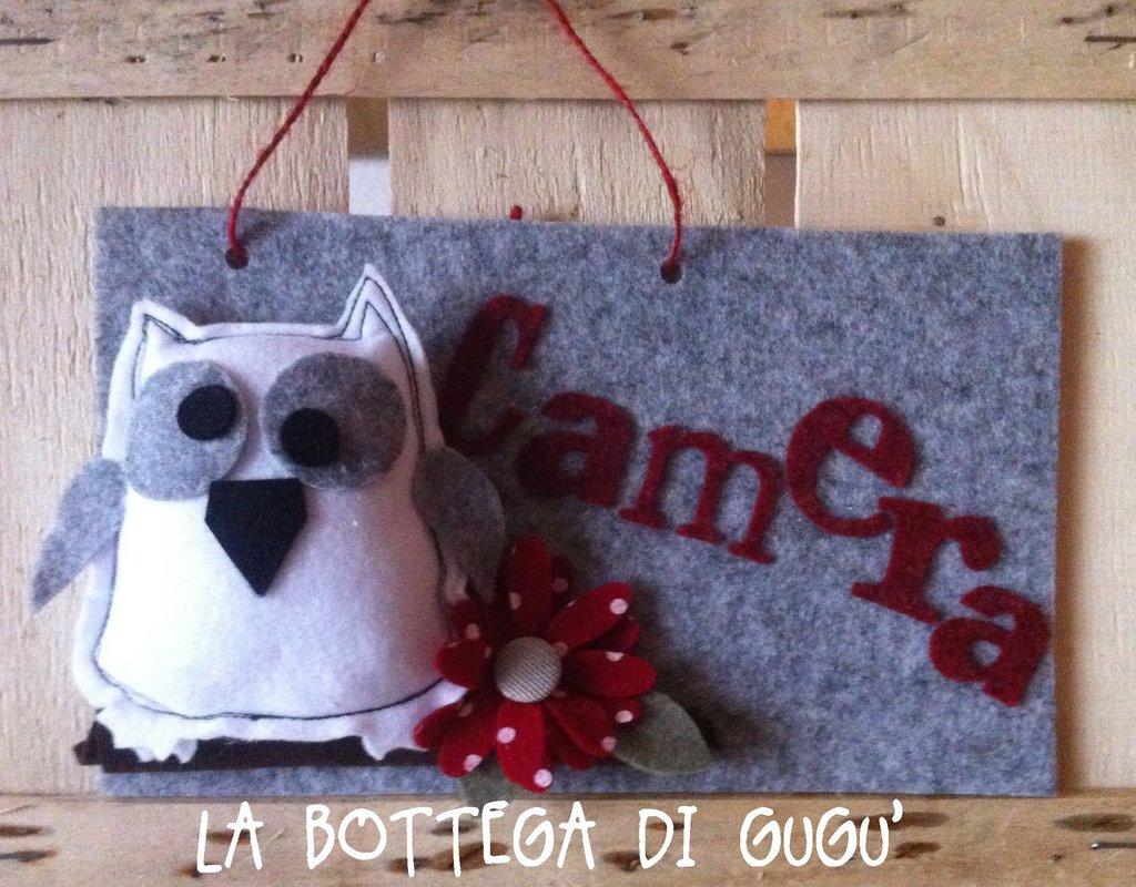 Targa fuoriporta di feltro con scritta camera grigio for Camera targa