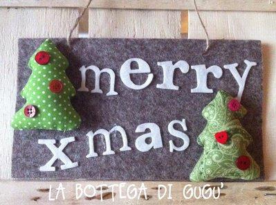 """Targa fuoriporta di feltro con scritta """"Merry xmas"""" (marrone/panna)"""