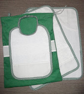Set asilo 4 pezzi da ricamare tovaglietta bavaglino asciugamani sacca verde