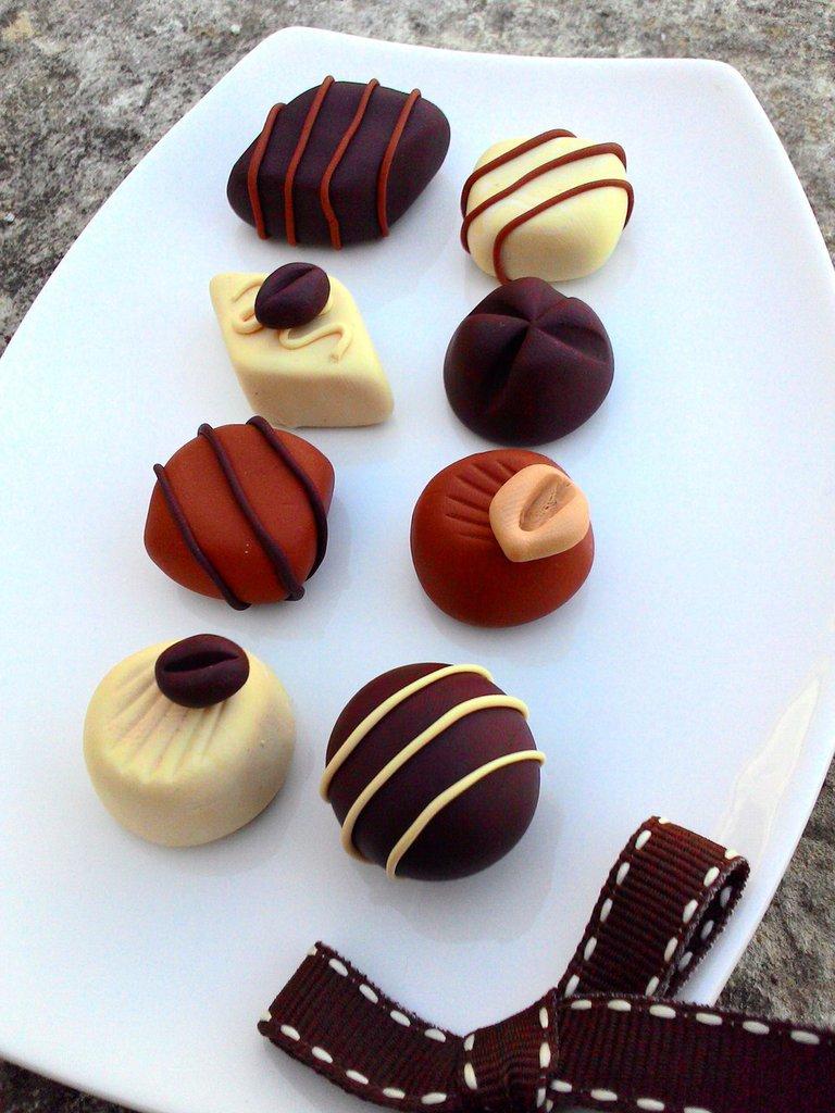 cioccolatini assortiti tutti da mordere (prezzo cad. 1)
