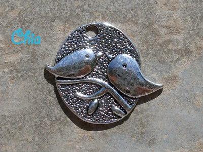 1 charm  medaglione uccellini 29 x25mm metallo argentato