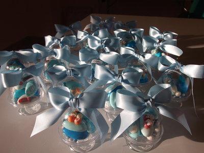 Campana con confetti decorati