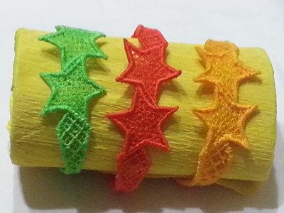 braccialetti con stelle in pizzo
