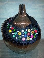 Collana con bottoni colorati e perline