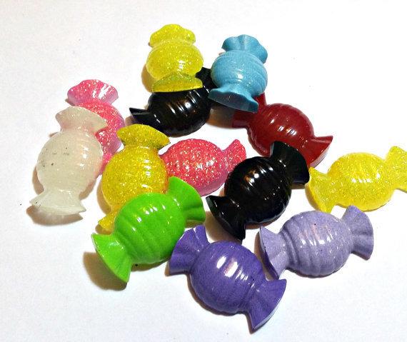 Lotto di 20 Cabochon a caramella in resina colorata