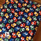 Trapuntina di flanella blu scuro con volpi rosse gialle verdi blu