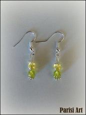 Orecchini pendenti fatti a mano con doppia perla