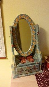 Portaoggetti con specchio