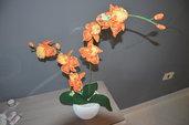 Orchidea arancio in vaso due rami fatta a mano