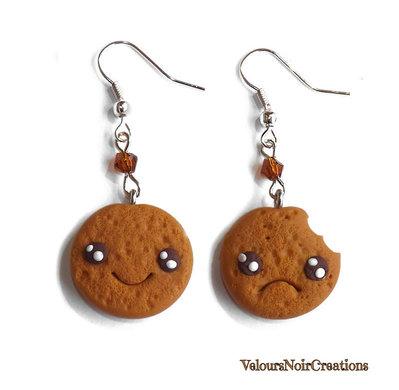 Orecchini biscotto kawaii con morso