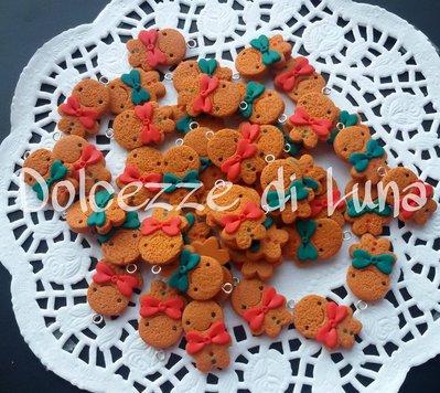 1 ciondolo OMINO PAN DI ZENZERO  fatto a mano, misura circa 2 cm