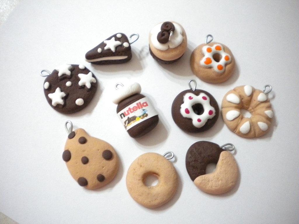 Lotto 10 ciondoli fimo nutella pan di stelle gocciole handmade charms