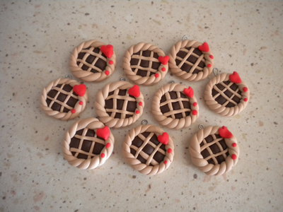 Lotto 20 ciondoli in fimo biscotti Crostatina handmade charms