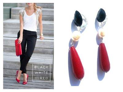 """Orecchini """"Pearl red drop"""" giada rossa, perla bianca cristallo nero in resina"""