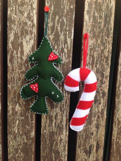 Addobbi Natale in feltro albero e stecco di zucchero
