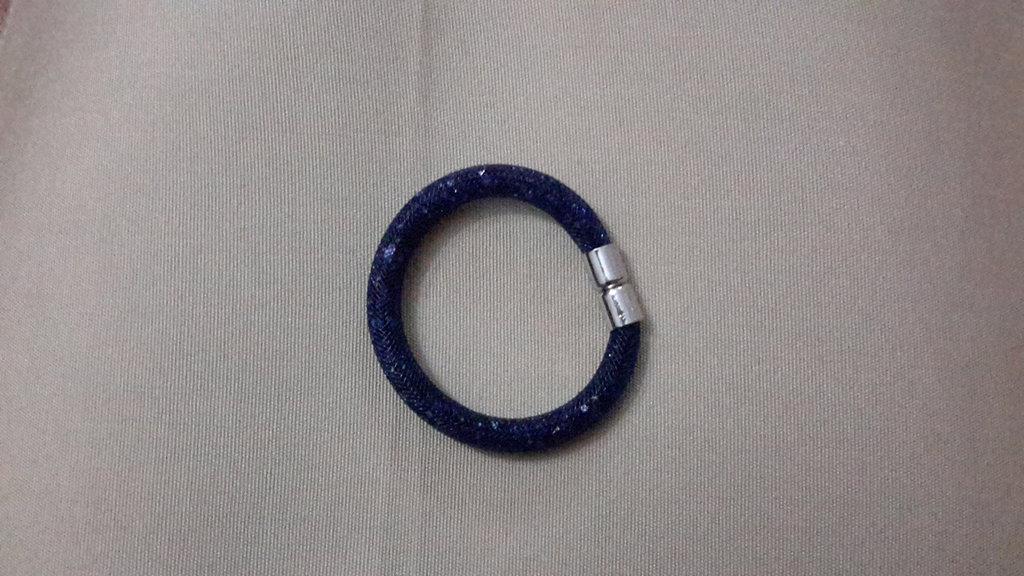 Bracciale rete tubolare con cristalli simil swarovski colore blu