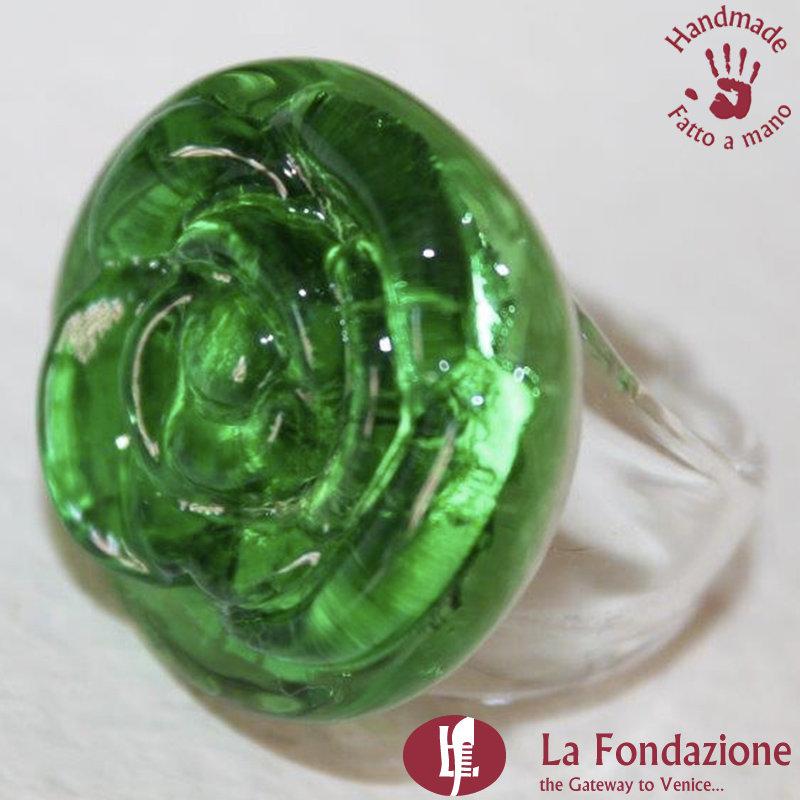 Anello Rosa color Verde in vetro di Murano lavorato a mano