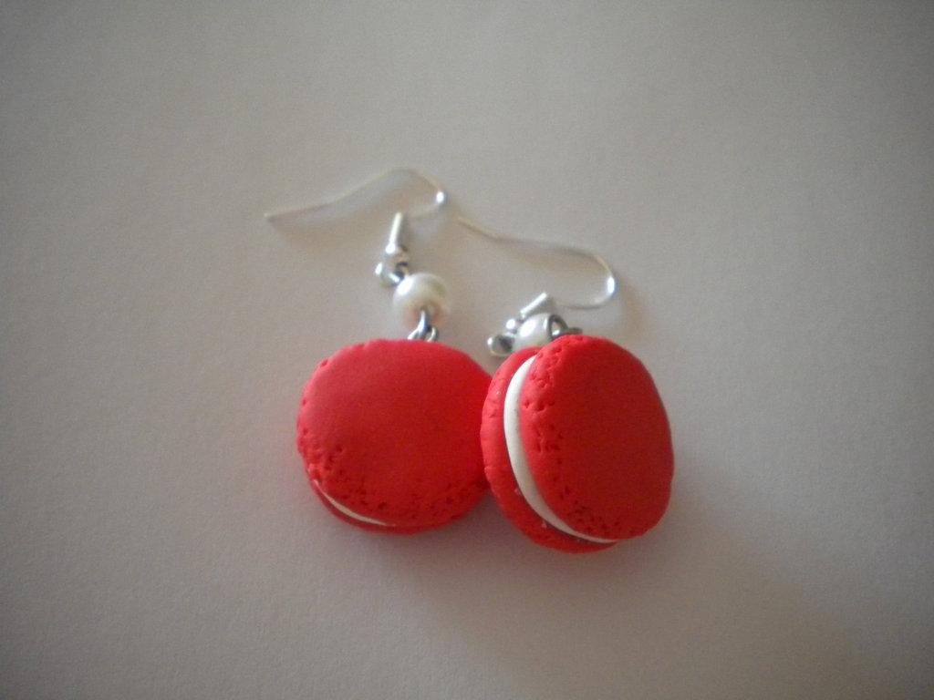 orecchini con ciondoli in fimo macarons rossi earrings handmade