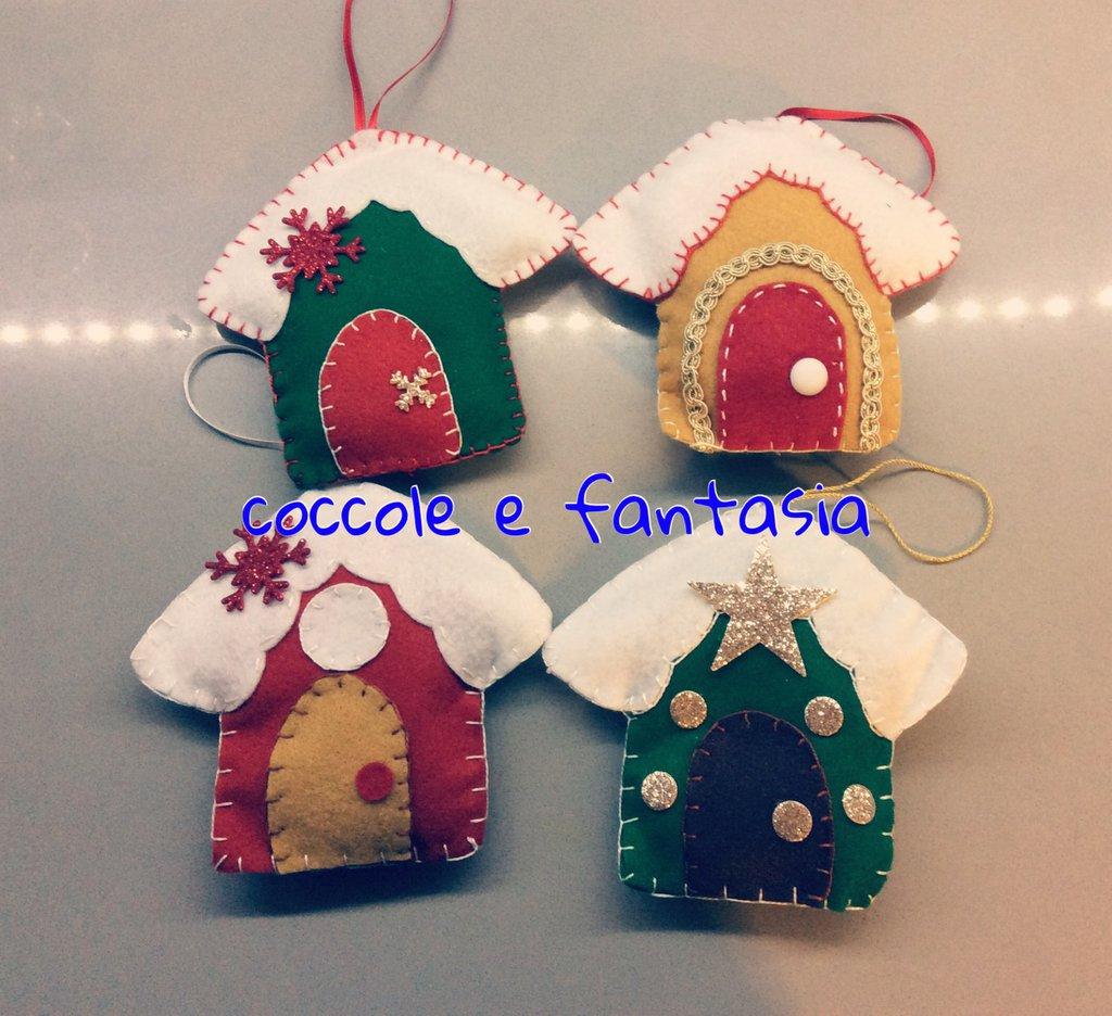 Decorazioni natalizie: casette innevate in pannolenci!