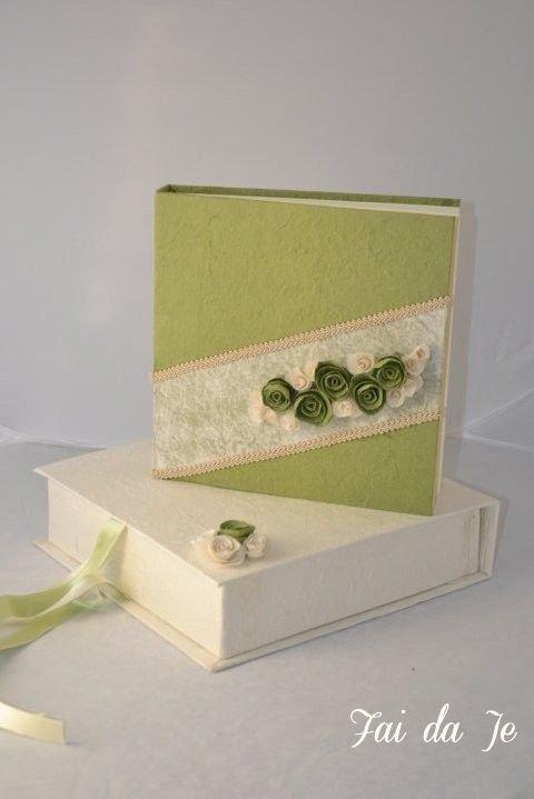 Album foto verde con rose