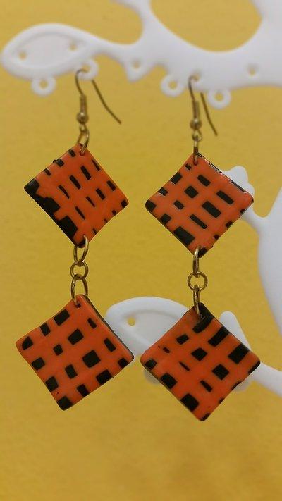 Orecchini fimo rombi nero/arancione