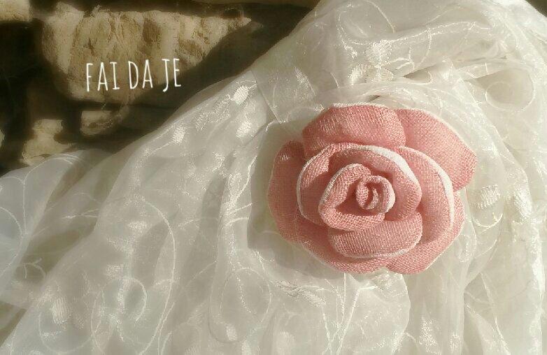 Rose  in stoffa
