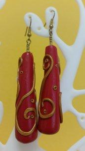 Orecchini fimo goccia rossi e decorazioni bronzo