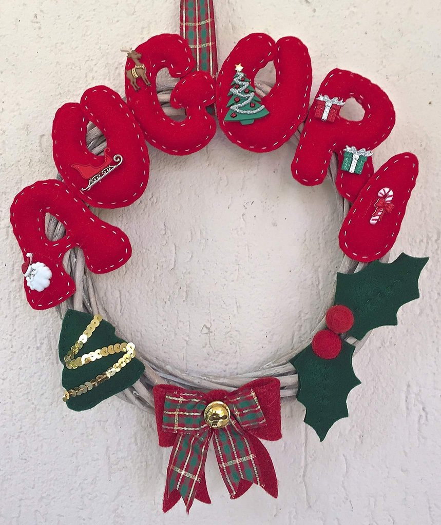Natale ghirlanda di vimini fuori porta auguri feste natale su misshobby - Ghirlanda porta natale ...