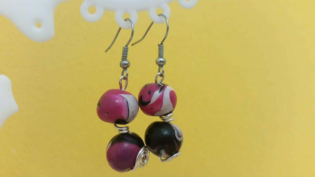 Orecchini perle fimo e wire