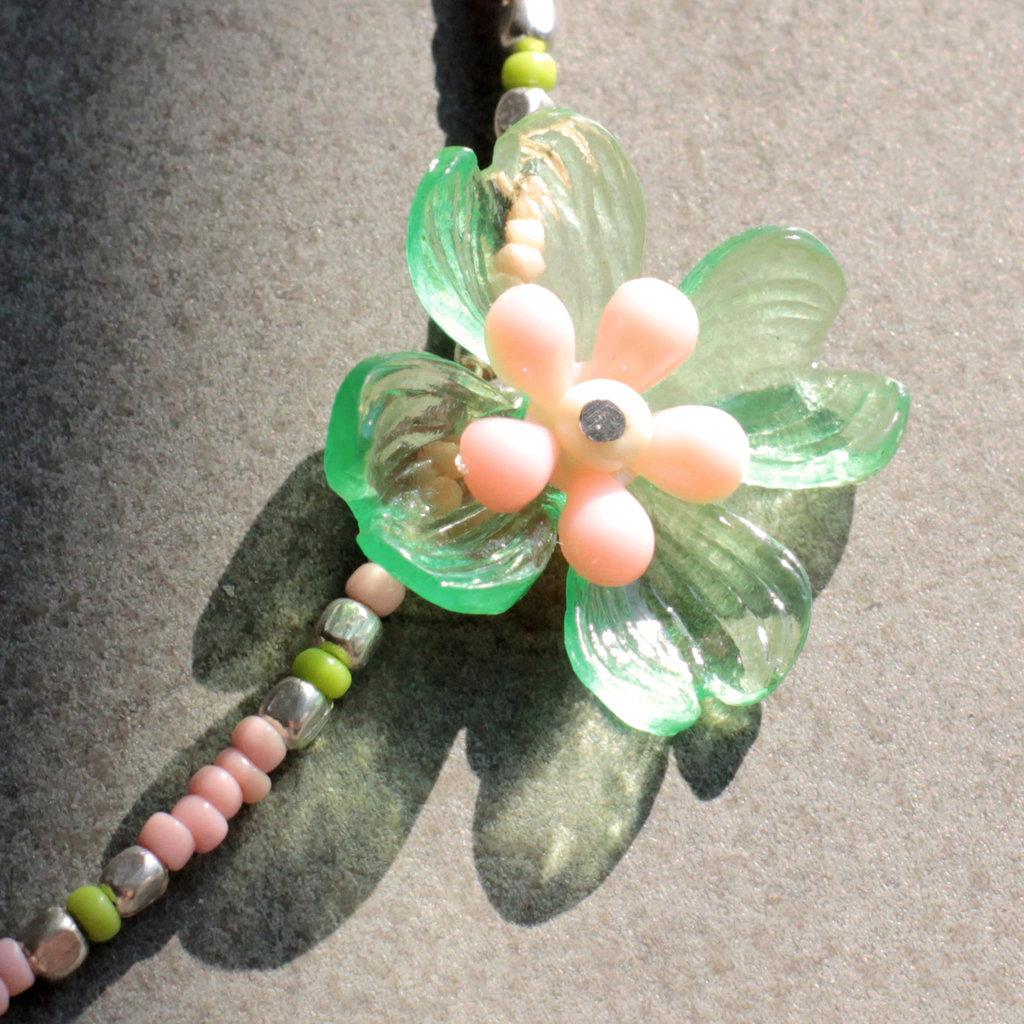 Girocollo rosa e verde con fiore vintage - C.47.2015