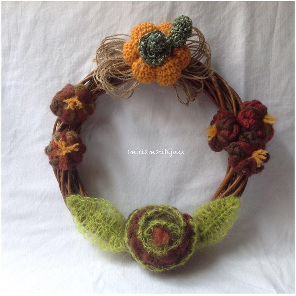Ghirlanda uncinetto vimini, zucca e fiori