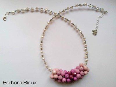 Collana con perle rosa sfumate realizzate a mano in pasta polimerica (fimo).