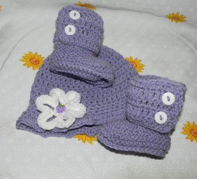 SCARPETTE + cappellino bambina realizzate ad uncinetto in misto lana LILLA  3-6 MESI