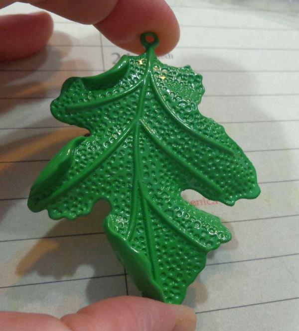 Foglia Ciondolo in metallo smaltato colore Verde