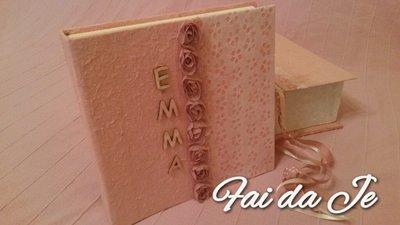 Album foto rosa con carta pizzo e nome