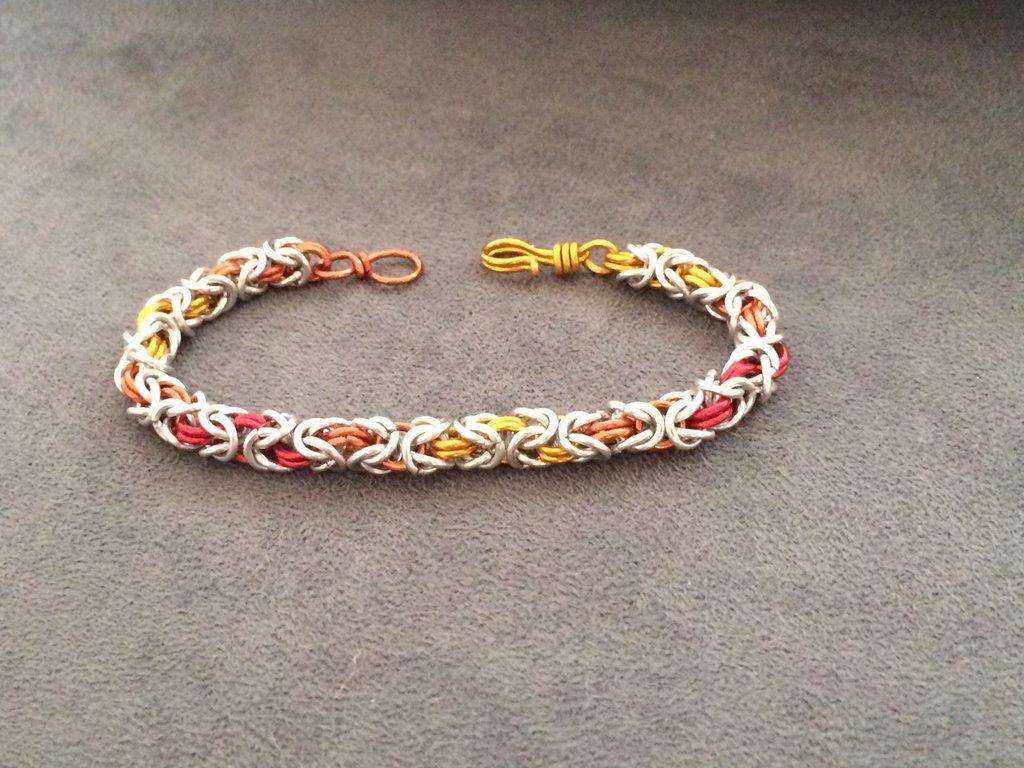 Bracciale chainmail micro bizantina sfumatura giallo/arancio/rosso