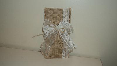 sacchetti confetti segnaposto ricordini in juta grezza e pizzo personalizzabili