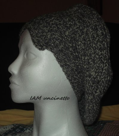 Basco cappello berretto in pura lana grigia mélange lavorata all'uncinetto