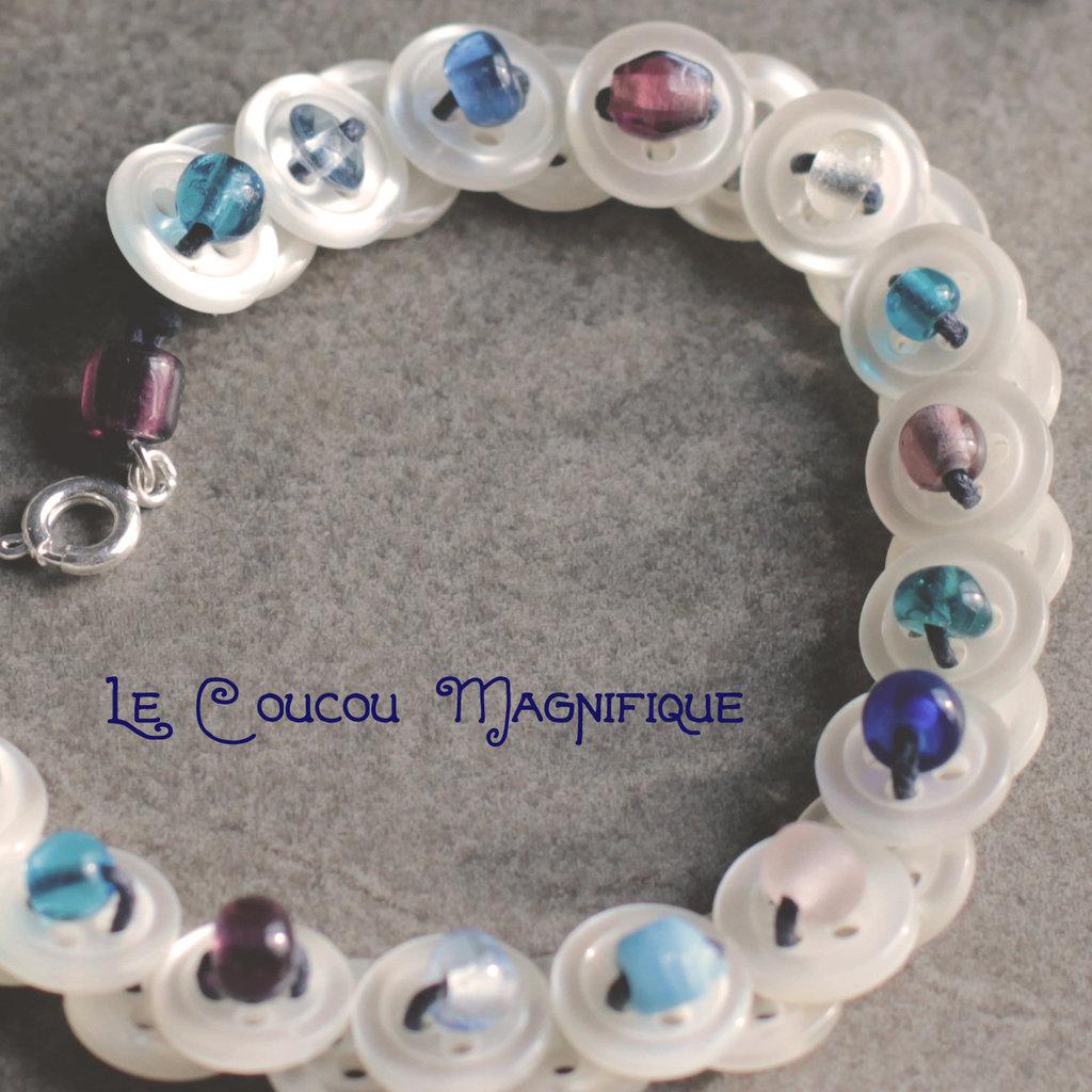 Collana Bimba con bottoni in madreperla e perle in vetro blu - C.49.2015