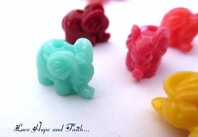 """Perla """"Elefantino"""" in acrilico lucido (15x11mm) (cod. 40444)"""