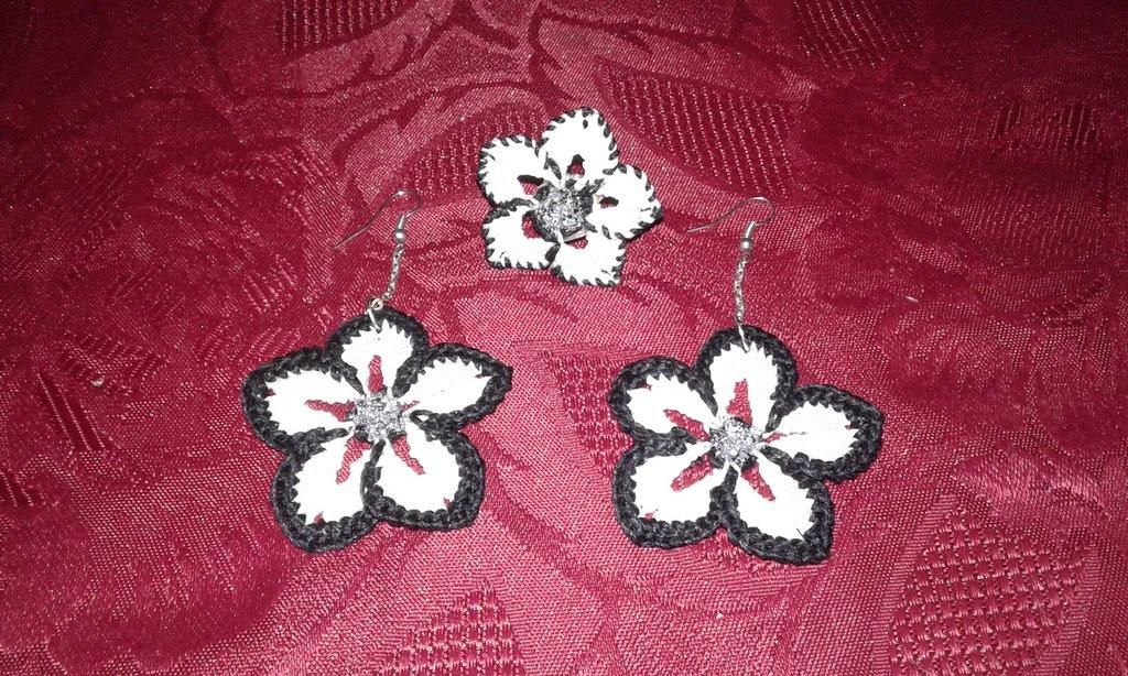 orecchini fiore più anello