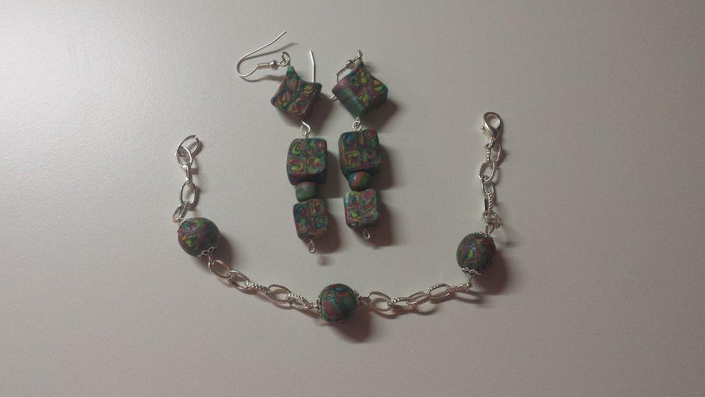 braccialetto e orecchini in fimo