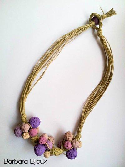 Collana pietra lavica con cordone e perle in pasta polimerica (fimo)