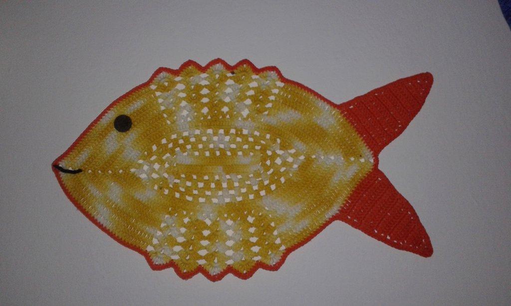 NOVITA' !!!   Quadro  uncinetto a forma di pesce