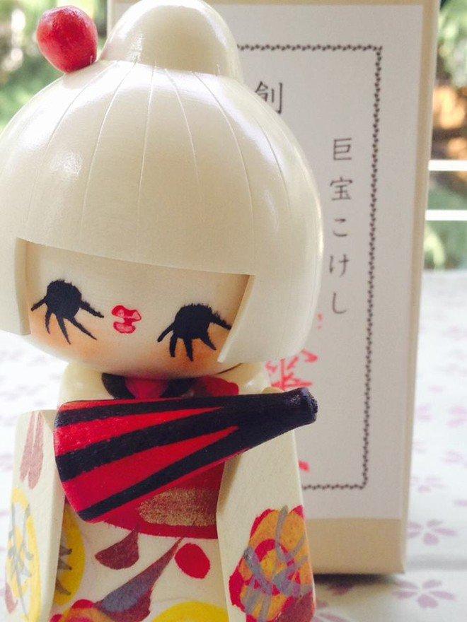 Bambola giapponese - Kokeshi Aigasa