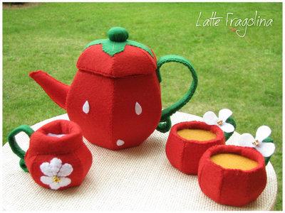 """Giocattolo in feltro """"Set da tè fragola rosso """" senza dolci - Cibo e alimenti in feltro per bambini"""